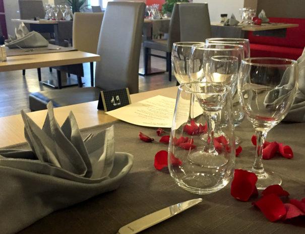 La-Boule-d-Or-Restaurant-01